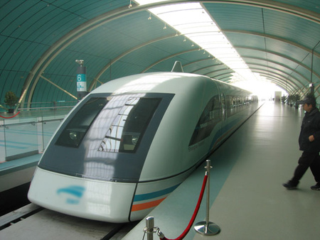 Shanghai Transrapid Photo by Yosemite